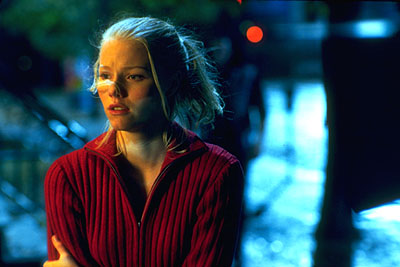 Cassie (Melissa Sagemiller) finds her life becoming a nightmare in Artisan's Soul Survivors - 2000