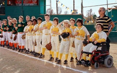 Morris Buttermaker Billy Bob Thornton in Bad News Bears - 2005