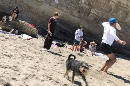 Dakota Johnson und Chris Martin am Strand von Malibu