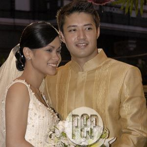 Mark Anthony Fernandez  with wife Melissa Garcia
