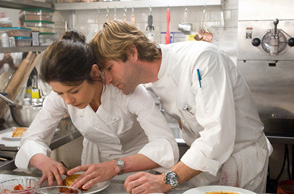 No Reservations Kate (Catherine Zeta-Jones) with Nick (Aaron Eckhart) in Warner Bros. Pictures'  - 2007
