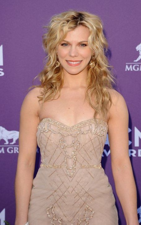 Kimberly Perry The Band Perry: 2012 ACM Awards Trifecta