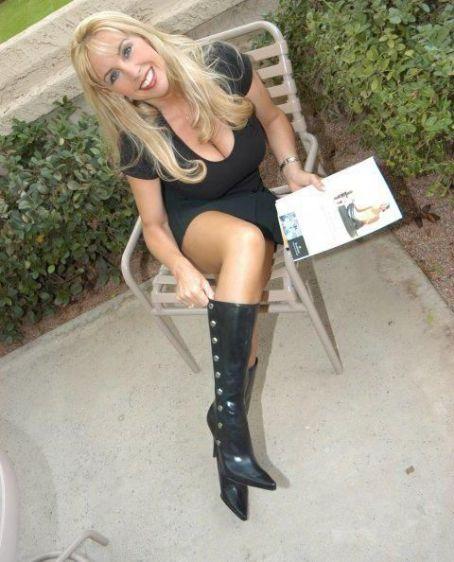 Wifey  (Sandra Otterson)