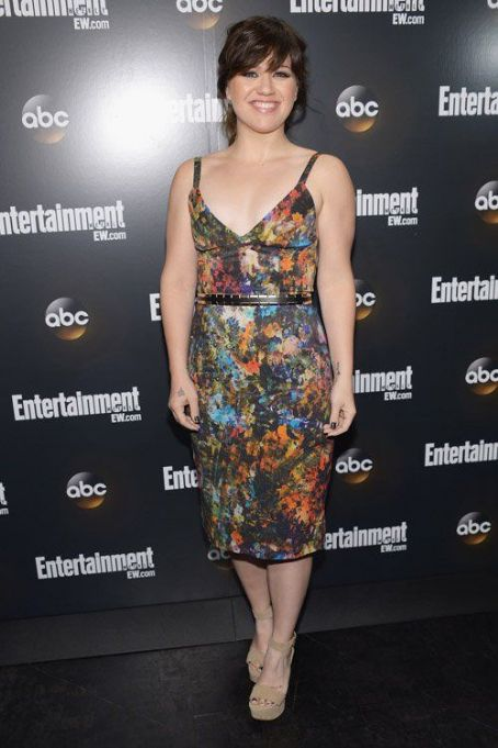 Kelly Clarkson: at the Entertainment Weekly & ABC-TV Upfront VIP party