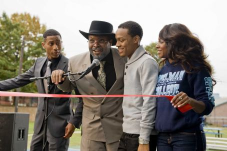 Ice Cube - (L-r) BRANDON T. JACKSON as Benny, ICE CUBE as Mr. Washington, BOW WOW as Kevin Carson, and NATURIE NAUGHTON as Stacie in Alcon Entertainment's comedy 'LOTTERY TICKET,' a Warner Bros. Pictures release. Photo by David Lee