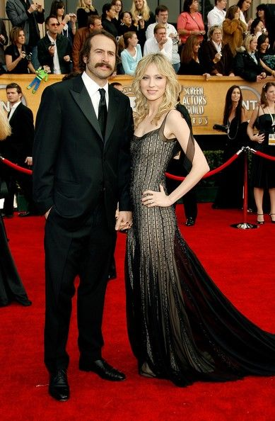 Beth Riesgraf  and Jason Lee