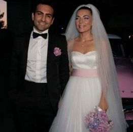 Bugra Gülsoy Burcu Kara and  Get Married