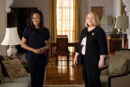 The Family That Preys - Abby (Robin Givens) and Charlotte (Kathy Bates) in TYLER PERRY'S THE FAMILY THAT PREYS. Photo credit: Alfeo Dixon