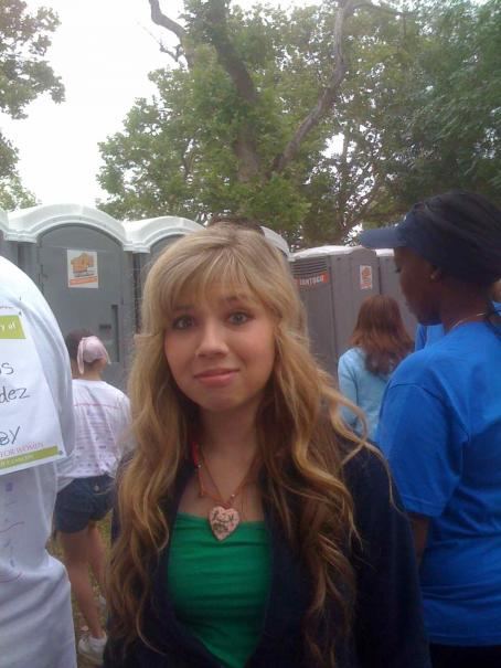 Jennette McCurdy - Jennette Mccurdy - Just Some Personal Photos
