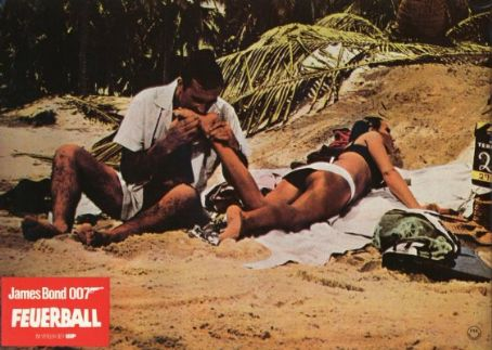 Thunderball Sean Connery and Claudine Auger