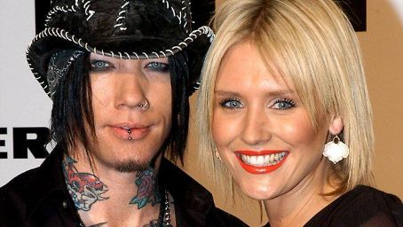 GUNS N' ROSES Guitarist D.J. ASHBA And Model Girlfriend Call Off Their Relationship