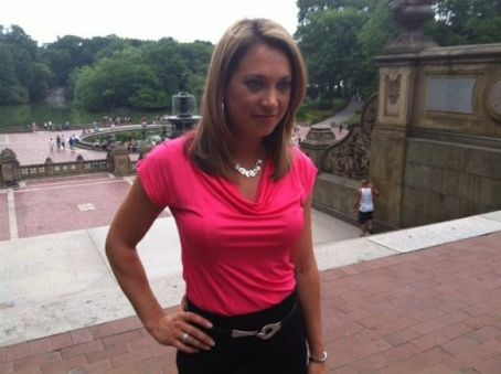 Ginger Zee Pics - Ginger Zee Photo Gallery - 2013 - Magazine