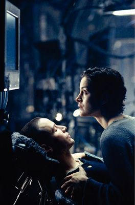The Matrix Keanu Reeves and Carrie-Anne Moss in  (1999)