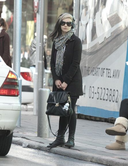 Ninette Tayeb in the streets of Tel Aviv- 06/03/2011