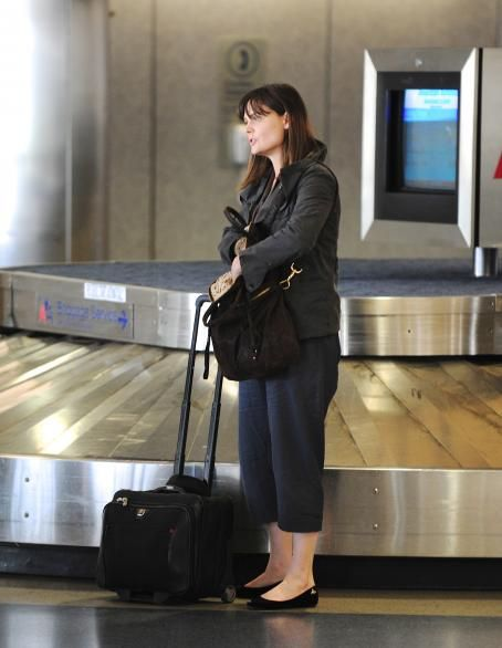 Emily Deschanel arriving at LAX Airport - March 4, 2011