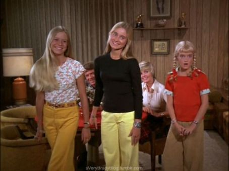 Maureen McCormick - Oh Alice!.......Are You And Sam Getting.........?