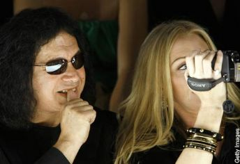 Gene`s partner, Shannon Tweed, was also by his side, glowing.