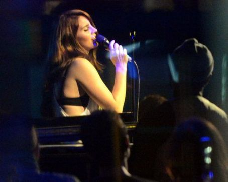 Lana Del Rey Performs at the Jazz Cafe