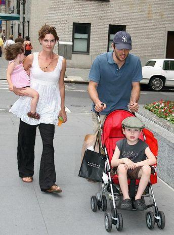 Джеймс Марсден с семьей