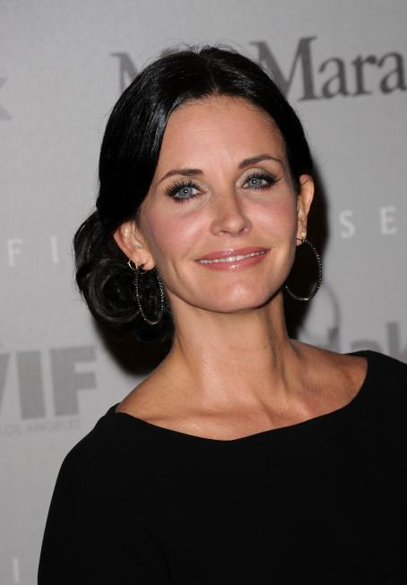 Courteney Cox - Crystal + Lucy Awards: A New Era At Hyatt Regency Century Plaza On June 1, 2010 In Century City, California