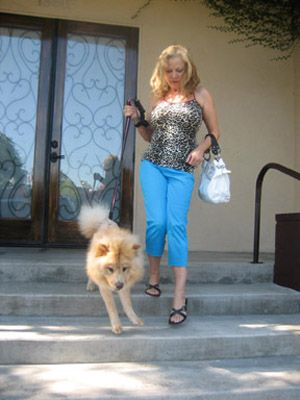 Vanna Bonta Gets Her Dog a Lion Fur-Do