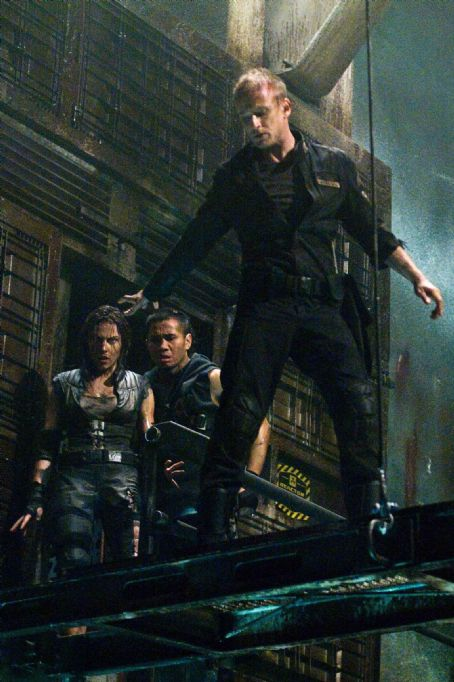 Antje Traue , Cung Le and Ben Foster star in Overture Films' Pandorum. Photo Credit: Jay Maidment. © Copyright 2009 Constantin Film Produktion GmbH.