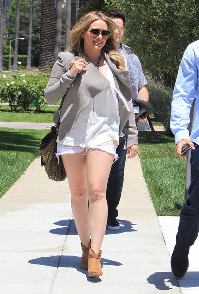 Hilary Duff: out house hunting in Beverly Hills
