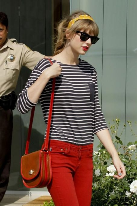 More Photos of Taylor Swift shops at Neil Lane Jewelry store in Los Angeles