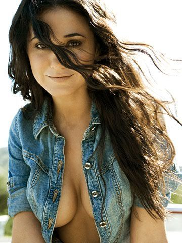 Emmanuelle Chriqui - Hot