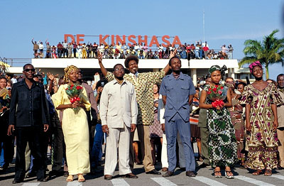 Mykelti Williamson  as Don King with the Zaire entourage in Columbia's Ali - 2001