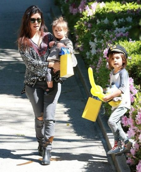 Kourtney Kardashian: at a birthday party in Beverly Hills