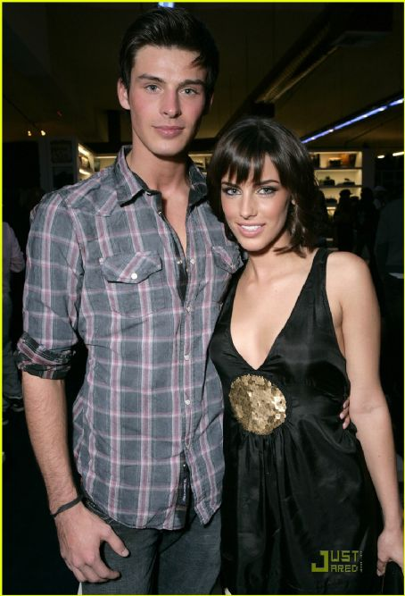 Jessica Lowndes  and Adam Gregory (2)