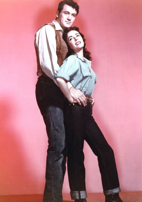 Giant Elizabeth Taylor and Rock Hudson in  (1956)