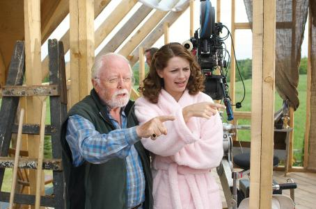 Closing the Ring Mischa Barton - With the Director Richard Attenborough -