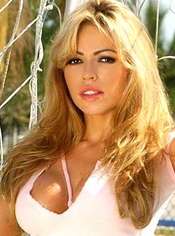 Claudia Molina
