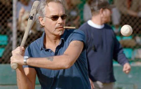 Morris Buttermaker Billy Bob Thornton in Bad News Bears, directed by Richard Linklater and distributed Paramount Pictures - 2005