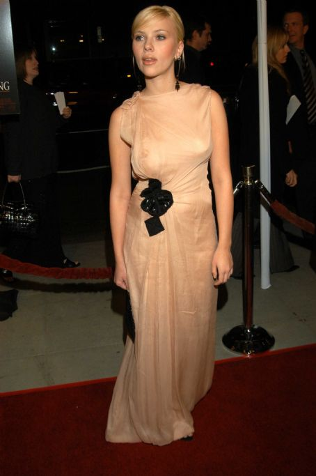 Girl with a Pearl Earring Scarlett Johansson - Girl With A Pearl Earring, Los Angeles Premiere 2003-12-10