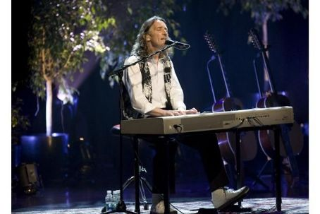 Roger Hodgson performs at Salle Wilfrid Pelletier Place des Arts (May 8th, 2009)