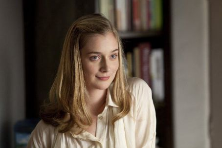 Caitlin FitzGerald It's Complicated Photo Gallery