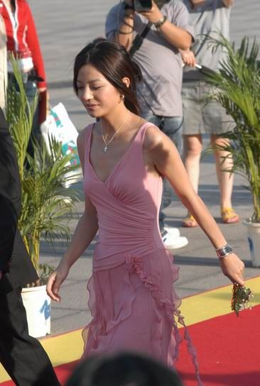 Zhao Wei Red Carpet Photos-2004 Huabiao Film Awards