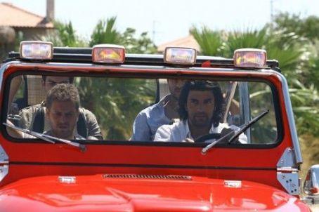 Engin Akyürek  - Fatmagül'ün Suçu Ne (2010)