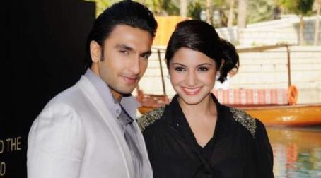 Ladies vs. Ricky Bahl Ranveer Singh and Anushka Sharma at Ladies v/s Ricky Bahl Premier