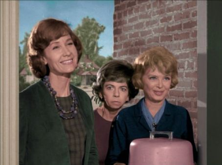 Alice Backes  With Alice Pearce On Bewitched