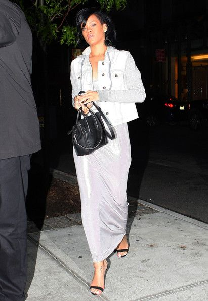 Rihanna Out For Dinner At Da Silvano In New York
