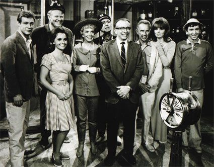 Russell Johnson Producer Sherwood Schwartz Wth The Gilligan's Island Cast
