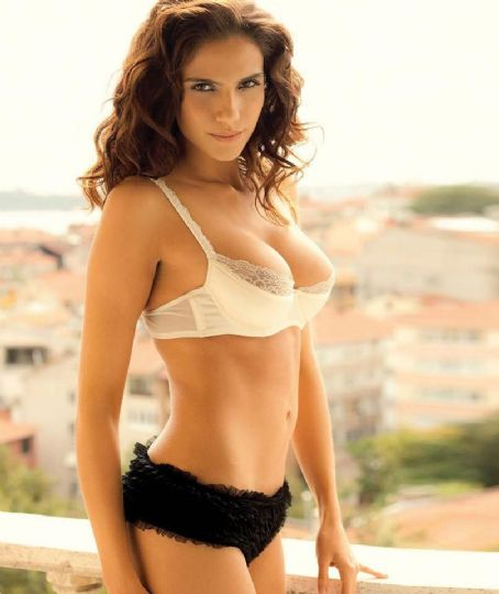 Ana Carolina  - Boxer Magazine Pictorial [Turkey] (January 2013)