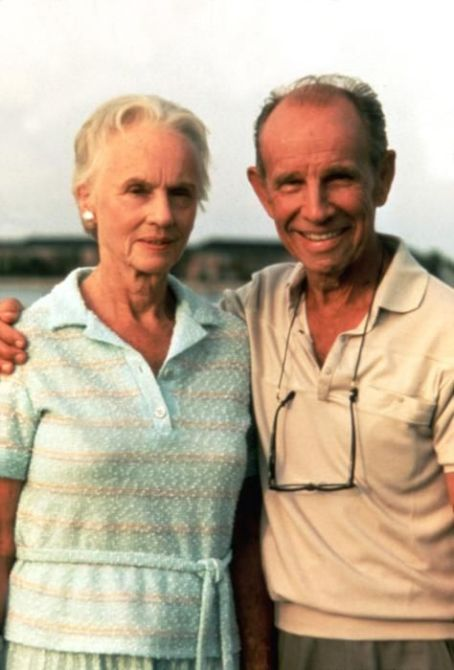 Hume Cronyn and Jessica Tandy  in Cocoon (1985)
