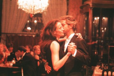 Harrison's Flowers Andie MacDowell and David Strathairn in Universal Focus' Harrison's Flowers - 2002
