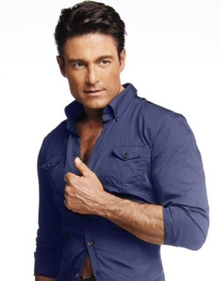 Fernando Colunga - Quièn Magazine Pictorial [Mexico] (September 2010)