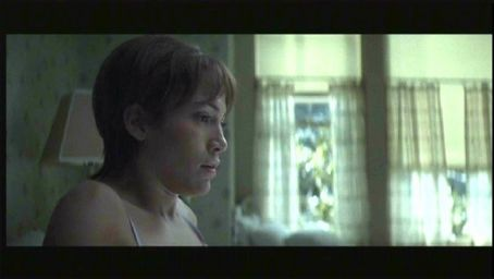 Jennifer Lopez as Slim in thriller movie Enough - 2002 distributed by Columbia Pictures